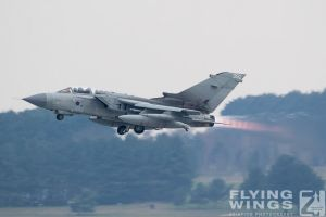 http://www.flying-wings.com/plugins/content/sige/plugin_sige/showthumb.php?img=/images/airshows/19_Marham/gallery/RAF_Tornado_GR4_Marham-9384_Zeitler.jpg&width=260&height=400&quality=80&ratio=1&crop=0&crop_factor=50&thumbdetail=0