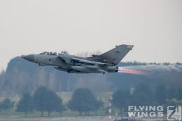 http://www.flying-wings.com/plugins/content/sige/plugin_sige/showthumb.php?img=/images/airshows/19_Marham/gallery/RAF_Tornado_GR4_Marham-9450_Zeitler.jpg&width=260&height=400&quality=80&ratio=1&crop=0&crop_factor=50&thumbdetail=0