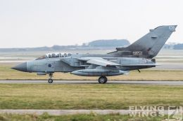 http://www.flying-wings.com/plugins/content/sige/plugin_sige/showthumb.php?img=/images/airshows/19_Marham/gallery/RAF_Tornado_GR4_Marham-9483_Zeitler.jpg&width=260&height=400&quality=80&ratio=1&crop=0&crop_factor=50&thumbdetail=0