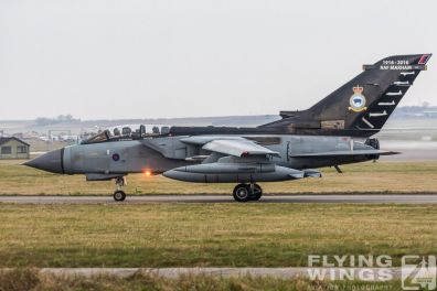 http://www.flying-wings.com/plugins/content/sige/plugin_sige/showthumb.php?img=/images/airshows/19_Marham/sc2/RAF_Tornado_GR4_Marham-6831_Zeitler.jpg&width=396&height=300&quality=80&ratio=1&crop=0&crop_factor=50&thumbdetail=0