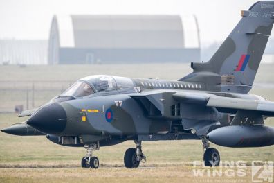 http://www.flying-wings.com/plugins/content/sige/plugin_sige/showthumb.php?img=/images/airshows/19_Marham/sc2/RAF_Tornado_GR4_Marham-9355_Zeitler.jpg&width=396&height=300&quality=80&ratio=1&crop=0&crop_factor=50&thumbdetail=0