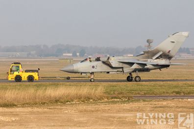 http://www.flying-wings.com/plugins/content/sige/plugin_sige/showthumb.php?img=/images/airshows/19_Marham/wreck2/RAF_Tornado_GR4_Marham-6727_Zeitler.jpg&width=396&height=300&quality=80&ratio=1&crop=0&crop_factor=50&thumbdetail=0