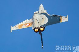 http://www.flying-wings.com/plugins/content/sige/plugin_sige/showthumb.php?img=/images/airshows/19_Melun/AdlA_6/Melun_Rafale_Solo-4724_Zeitler.jpg&width=260&height=300&quality=80&ratio=1&crop=0&crop_factor=50&thumbdetail=0