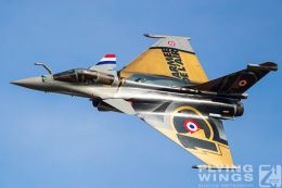 http://www.flying-wings.com/plugins/content/sige/plugin_sige/showthumb.php?img=/images/airshows/19_Melun/AdlA_6/Melun_Rafale_Solo-4738_Zeitler.jpg&width=260&height=300&quality=80&ratio=1&crop=0&crop_factor=50&thumbdetail=0