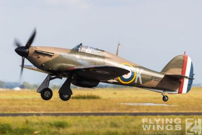 http://www.flying-wings.com/plugins/content/sige/plugin_sige/showthumb.php?img=/images/airshows/19_Melun/France_6/Melun_Hurricane-5442_Zeitler.jpg&width=396&height=300&quality=80&ratio=1&crop=0&crop_factor=50&thumbdetail=0