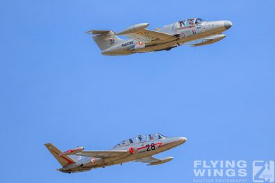http://www.flying-wings.com/plugins/content/sige/plugin_sige/showthumb.php?img=/images/airshows/19_Melun/Jets_8/Melun_Formation-8596_Zeitler.jpg&width=396&height=300&quality=80&ratio=1&crop=0&crop_factor=50&thumbdetail=0