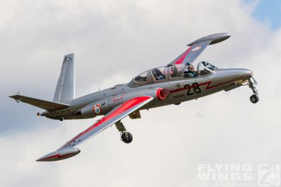 http://www.flying-wings.com/plugins/content/sige/plugin_sige/showthumb.php?img=/images/airshows/19_Melun/Jets_8/Melun_Zephyr-5015_Zeitler.jpg&width=396&height=300&quality=80&ratio=1&crop=0&crop_factor=50&thumbdetail=0