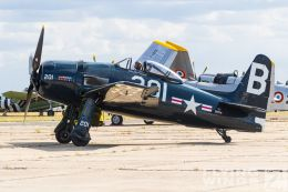 http://www.flying-wings.com/plugins/content/sige/plugin_sige/showthumb.php?img=/images/airshows/19_Melun/Navy_6/Melun_Bearcat-5265_Zeitler.jpg&width=260&height=300&quality=80&ratio=1&crop=0&crop_factor=50&thumbdetail=0