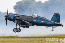 http://www.flying-wings.com/plugins/content/sige/plugin_sige/showthumb.php?img=/images/airshows/19_Melun/Navy_6/Melun_Corsair-5187_Zeitler.jpg&width=260&height=300&quality=80&ratio=1&crop=0&crop_factor=50&thumbdetail=0