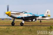 http://www.flying-wings.com/plugins/content/sige/plugin_sige/showthumb.php?img=/images/airshows/19_Melun/gallery/Melun_Mustang-5618_Zeitler.jpg&width=180&height=200&quality=80&ratio=1&crop=0&crop_factor=50&thumbdetail=0
