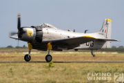 http://www.flying-wings.com/plugins/content/sige/plugin_sige/showthumb.php?img=/images/airshows/19_Melun/gallery/Melun_Skyraider-5115_Zeitler.jpg&width=180&height=200&quality=80&ratio=1&crop=0&crop_factor=50&thumbdetail=0