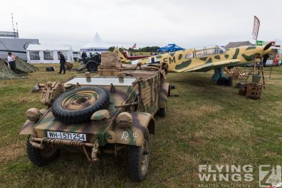 http://www.flying-wings.com/plugins/content/sige/plugin_sige/showthumb.php?img=/images/airshows/19_Melun/reenact_4/Melun_so-2092_Zeitler.jpg&width=396&height=300&quality=80&ratio=1&crop=0&crop_factor=50&thumbdetail=0