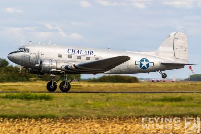 http://www.flying-wings.com/plugins/content/sige/plugin_sige/showthumb.php?img=/images/airshows/19_Melun/warbirds_8/Melun_Dakota-5608_Zeitler.jpg&width=396&height=300&quality=80&ratio=1&crop=0&crop_factor=50&thumbdetail=0