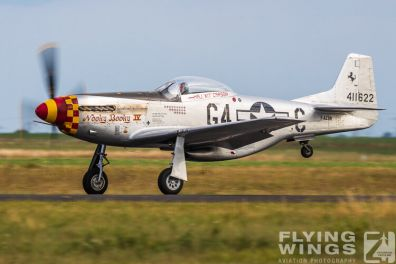 http://www.flying-wings.com/plugins/content/sige/plugin_sige/showthumb.php?img=/images/airshows/19_Melun/warbirds_8/Melun_Mustang-5639_Zeitler.jpg&width=396&height=300&quality=80&ratio=1&crop=0&crop_factor=50&thumbdetail=0