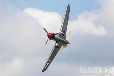 http://www.flying-wings.com/plugins/content/sige/plugin_sige/showthumb.php?img=/images/airshows/19_Melun/warbirds_8/Melun_P-40-5468_Zeitler.jpg&width=396&height=300&quality=80&ratio=1&crop=0&crop_factor=50&thumbdetail=0