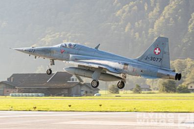 http://www.flying-wings.com/plugins/content/sige/plugin_sige/showthumb.php?img=/images/airshows/20_Meiringen/5/Meiringen_Tiger-9900_Zeitler.jpg&width=396&height=300&quality=80&ratio=1&crop=0&crop_factor=50&thumbdetail=0