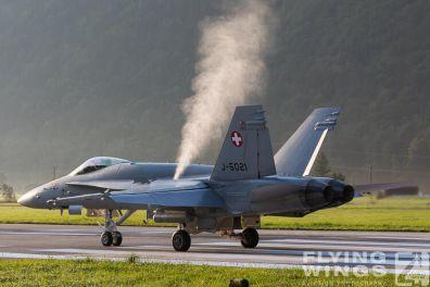 http://www.flying-wings.com/plugins/content/sige/plugin_sige/showthumb.php?img=/images/airshows/20_Meiringen/8/Meiringen_Hornet-9160_Zeitler.jpg&width=396&height=300&quality=80&ratio=1&crop=0&crop_factor=50&thumbdetail=0