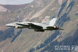 http://www.flying-wings.com/plugins/content/sige/plugin_sige/showthumb.php?img=/images/airshows/20_Meiringen/9/Meiringen_Hornet-8510_Zeitler.jpg&width=260&height=300&quality=80&ratio=1&crop=0&crop_factor=50&thumbdetail=0