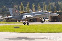 http://www.flying-wings.com/plugins/content/sige/plugin_sige/showthumb.php?img=/images/airshows/20_Meiringen/9/Meiringen_Hornet-9435_Zeitler.jpg&width=260&height=300&quality=80&ratio=1&crop=0&crop_factor=50&thumbdetail=0