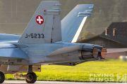 http://www.flying-wings.com/plugins/content/sige/plugin_sige/showthumb.php?img=/images/airshows/20_Meiringen/Gallery/Meiringen_Hornet-9172_Zeitler.jpg&width=180&height=200&quality=80&ratio=1&crop=0&crop_factor=50&thumbdetail=0