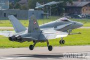 http://www.flying-wings.com/plugins/content/sige/plugin_sige/showthumb.php?img=/images/airshows/20_Meiringen/Gallery/Meiringen_Hornet-9483_Zeitler.jpg&width=180&height=200&quality=80&ratio=1&crop=0&crop_factor=50&thumbdetail=0