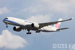 http://www.flying-wings.com/plugins/content/sige/plugin_sige/showthumb.php?img=/images/galleries/19_Taiwan/TPE_11/Taiwan_2019_China Airlines-6069_Zeitler.jpg&width=260&height=300&quality=80&ratio=1&crop=0&crop_factor=50&thumbdetail=0