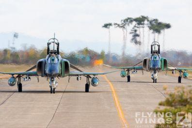 http://www.flying-wings.com/plugins/content/sige/plugin_sige/showthumb.php?img=/images/galleries/21_Japan_Phantoms/Hyakuri1/20051116-Japan_RF-4EJ-7733_Zeitler.jpg&width=396&height=300&quality=80&ratio=1&crop=0&crop_factor=50&thumbdetail=0