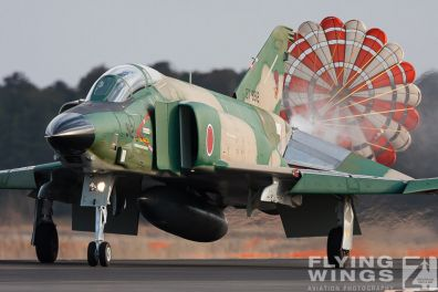 http://www.flying-wings.com/plugins/content/sige/plugin_sige/showthumb.php?img=/images/galleries/21_Japan_Phantoms/Hyakuri1/20090311-Japan09_RF-4-6966_Zeitler.jpg&width=396&height=300&quality=80&ratio=1&crop=0&crop_factor=50&thumbdetail=0