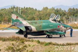 http://www.flying-wings.com/plugins/content/sige/plugin_sige/showthumb.php?img=/images/galleries/21_Japan_Phantoms/Hyakuri2/20051116-Japan_RF-4E-7682_Zeitler.jpg&width=260&height=300&quality=80&ratio=1&crop=0&crop_factor=50&thumbdetail=0