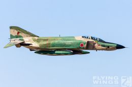 http://www.flying-wings.com/plugins/content/sige/plugin_sige/showthumb.php?img=/images/galleries/21_Japan_Phantoms/Hyakuri2/20051116-Japan_RF-4E-7816_Zeitler.jpg&width=260&height=300&quality=80&ratio=1&crop=0&crop_factor=50&thumbdetail=0