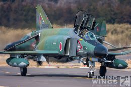 http://www.flying-wings.com/plugins/content/sige/plugin_sige/showthumb.php?img=/images/galleries/21_Japan_Phantoms/Hyakuri2/20090313-Japan09_RF-4E-7551_Zeitler.jpg&width=260&height=300&quality=80&ratio=1&crop=0&crop_factor=50&thumbdetail=0