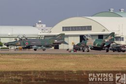 http://www.flying-wings.com/plugins/content/sige/plugin_sige/showthumb.php?img=/images/galleries/21_Japan_Phantoms/Hyakuri2/20111025-Hyakuri_RF-4-1362_Zeitler.jpg&width=260&height=300&quality=80&ratio=1&crop=0&crop_factor=50&thumbdetail=0