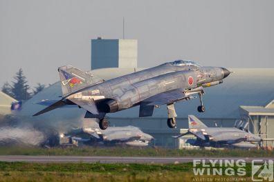 http://www.flying-wings.com/plugins/content/sige/plugin_sige/showthumb.php?img=/images/galleries/21_Japan_Phantoms/Hyakuri3/20111025-Hyakuri_F-4EJ-1490_Zeitler.jpg&width=396&height=300&quality=80&ratio=1&crop=0&crop_factor=50&thumbdetail=0