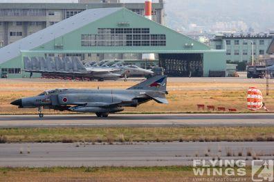 http://www.flying-wings.com/plugins/content/sige/plugin_sige/showthumb.php?img=/images/galleries/21_Japan_Phantoms/Komatsu1/20141118-Komatsu_F-4-9830_Zeitler.jpg&width=396&height=300&quality=80&ratio=1&crop=0&crop_factor=50&thumbdetail=0