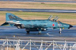 http://www.flying-wings.com/plugins/content/sige/plugin_sige/showthumb.php?img=/images/galleries/21_Japan_Phantoms/Misawa2/20051101-Japan_Phantom-0446_Zeitler.jpg&width=260&height=300&quality=80&ratio=1&crop=0&crop_factor=50&thumbdetail=0
