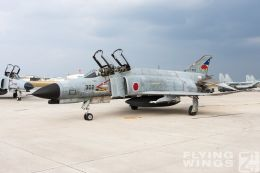 http://www.flying-wings.com/plugins/content/sige/plugin_sige/showthumb.php?img=/images/galleries/21_Japan_Phantoms/Naha2/20081214-_F-4-4202_Zeitler.jpg&width=260&height=300&quality=80&ratio=1&crop=0&crop_factor=50&thumbdetail=0