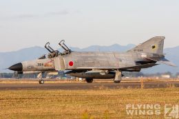 http://www.flying-wings.com/plugins/content/sige/plugin_sige/showthumb.php?img=/images/galleries/21_Japan_Phantoms/Nyuta1/20091202-Japan09_F-4-9663_Zeitler.jpg&width=260&height=300&quality=80&ratio=1&crop=0&crop_factor=50&thumbdetail=0