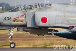 http://www.flying-wings.com/plugins/content/sige/plugin_sige/showthumb.php?img=/images/galleries/21_Japan_Phantoms/Nyuta1/20101111-Japan_F-4-8518_Zeitler.jpg&width=260&height=300&quality=80&ratio=1&crop=0&crop_factor=50&thumbdetail=0
