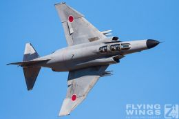 http://www.flying-wings.com/plugins/content/sige/plugin_sige/showthumb.php?img=/images/galleries/21_Japan_Phantoms/Nyuta3/20081207-_F-4_Base_Attack-1503_Zeitler.jpg&width=260&height=300&quality=80&ratio=1&crop=0&crop_factor=50&thumbdetail=0