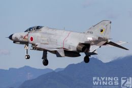 http://www.flying-wings.com/plugins/content/sige/plugin_sige/showthumb.php?img=/images/galleries/21_Japan_Phantoms/Nyuta3/20101110-Japan_F-4-7591_Zeitler.jpg&width=260&height=300&quality=80&ratio=1&crop=0&crop_factor=50&thumbdetail=0