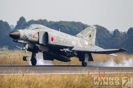 http://www.flying-wings.com/plugins/content/sige/plugin_sige/showthumb.php?img=/images/galleries/21_Japan_Phantoms/Nyuta4/20101111-Japan_F-4-8514_Zeitler.jpg&width=260&height=300&quality=80&ratio=1&crop=0&crop_factor=50&thumbdetail=0