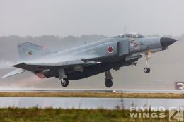 http://www.flying-wings.com/plugins/content/sige/plugin_sige/showthumb.php?img=/images/galleries/21_Japan_Phantoms/Nyuta4/20141126-Nyutabaru_F-4-2770_Zeitler.jpg&width=260&height=300&quality=80&ratio=1&crop=0&crop_factor=50&thumbdetail=0