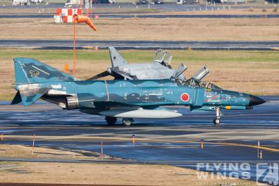 http://www.flying-wings.com/plugins/content/sige/plugin_sige/showthumb.php?img=/images/galleries/21_Japan_Phantoms/Phantoms/20051101-Japan_Phantom-0513_Zeitler.jpg&width=396&height=300&quality=80&ratio=1&crop=0&crop_factor=50&thumbdetail=0