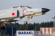 http://www.flying-wings.com/plugins/content/sige/plugin_sige/showthumb.php?img=/images/galleries/21_Japan_Phantoms/gallery/20111026-Hyakuri_F-4EJ-1861_Zeitler.jpg&width=180&height=200&quality=80&ratio=1&crop=0&crop_factor=50&thumbdetail=0